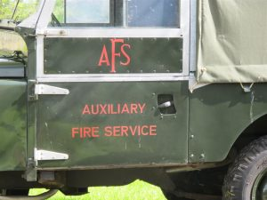 Signwriting by Arne Barker AFS Land Rover door signwritten