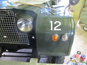 Signwriting by Arne Barker AFS Land Rover front wing