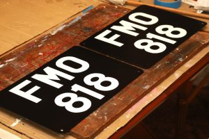 Land-Rover hand painted number plate